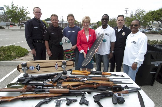 Neil Carver (third from left) with California Rep. Janice Hahnand L.A. police officers. – Photo: Lance Dalgart